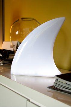 Shark fin lamp