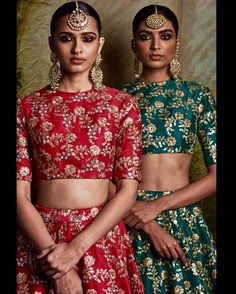 Mode indienne Sari Blouse Rouge et Verte Indian Attire, Indian Wear, India Fashion, Asian Fashion, Indian Dresses, Indian Outfits, Moda India, Sabyasachi Collection, Desi Wear