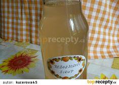 Rebarborový sirup recept - TopRecepty.cz Wine, Drinks, Bottle, Syrup, Drinking, Beverages, Flask, Drink, Jars
