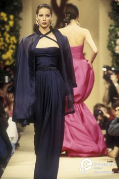 Christy Turlington walks for Yves Saint Laurent 1993 Spring-Summer Haute Couture Collection