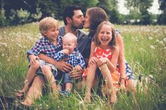 family photography by lindsay muller - relaxed kids