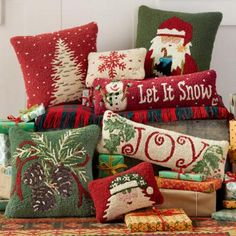 Decoration of single rooms for men - Home Fashion Trend Christmas Cushions, Christmas Pillow, Christmas Love, Rustic Christmas, All Things Christmas, Winter Christmas, Christmas Crafts, Christmas Decorations, Holiday Decor