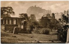 EDINBURGH – Edinburgh Castle from Greyfriars' Churchyard – Scotland