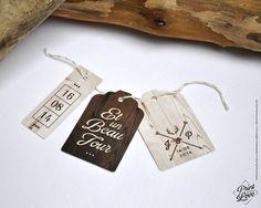 De jolies étiquettes imprimées bois pour agrémenter votre faire-part de mariage ou décorer vos cadeaux d'invités. Mariage Rustique, Champêtre ou Nature.