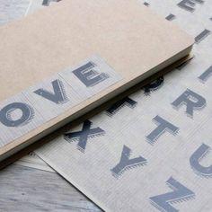 Hojas de pegatinas abecedario mayúsculas. A la venta en: www.mrwonderfulshop.es