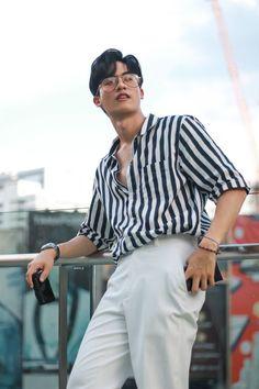 Asian Boys, Asian Men, Basic Outfits, Boy Outfits, Korean Shirts, V Instagram, Boyfriend Photos, Thai Drama, Handsome Actors