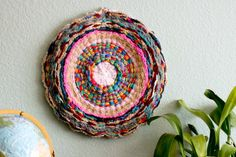 Easy to follow How To Finger Knit video plus 20 fabulous finger knitting projects, including rugs, jewelry, crowns, stuffed animals, dog collars and more!