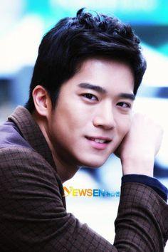 ha suk jin --- NewSen Korean Drama Stars, Korean Star, Korean Men, Asian Men, Korean Actors, Jung Hyun, Kim Jung, Ha Suk Jin, Lee Seung Gi