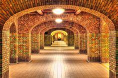 De Inktpot, Utrecht. Gebouw van 22 miljoen stenen, grootste bakstenen gebouw van Nederland. Ontworpen door George Willem van Heukelom, gebouwd 1918-1921 iov NS, nu hoofdkantoor van Pro Rail.