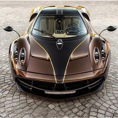 2016 Pagani Huayra. Superb machine but please .... brown?