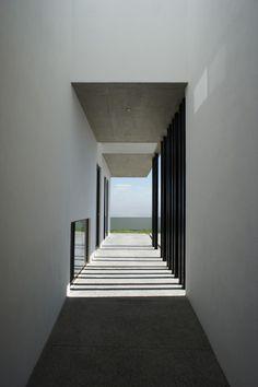HDJ58 House / T38 studio + Pablo Casals-Aguirre
