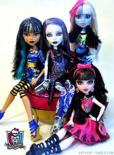 Picture Day dolls