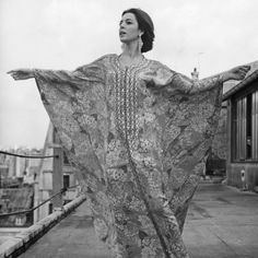 How to Get Your Body Caftan-Ready -- so funny! I had a wonderful Caftan-Season, see ya next Summer! T Shirt Factory, Dressing Sense, Caftan Dress, The Godfather, The Girl Who, Popular Culture, Bikini Bodies, Stylish Girl, Make Me Smile