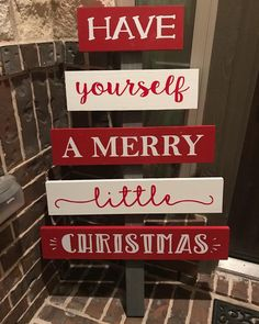 christmas signs Have Yourself A Merry Little Christmas; Wooden Christmas Tree Decorations, Christmas Wood Crafts, Pallet Christmas, Christmas Signs, Outdoor Christmas, Christmas Projects, Holiday Crafts, Merry Little Christmas, Christmas Holidays