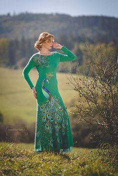 Adalei / Dlhé maľované šaty s pávom...