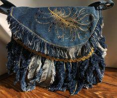 Denim Handbags, Denim Tote Bags, Denim Purse, Blue Jean Purses, Denim Ideas, Denim Crafts, Recycled Denim, Recycled Crafts, Boho Bags