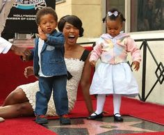 ANGELA BASSETT ON THE HOLLYWOOD WALK OF FAME WITH HER KIDS