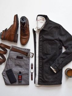 CHICS KIND is an online magazine for men's fashion. Stylish Men, Men Casual, Modern Mens Fashion, Winter Outfits Men, Smart Outfit, Men Style Tips, Gentleman Style, Mens Clothing Styles, Winter Fashion