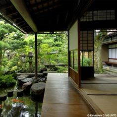 Japanese House Inside corridor is transition between rooms and inside/outside | japanese