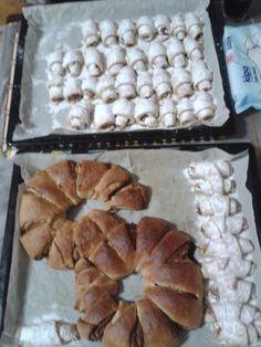 Elmalı kurabiye ve isveç halkası pişti,5 çayına hazır.