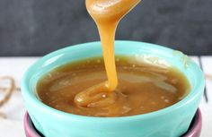Easy and delicious caramel sauce! You can slice apples, put in Pineapple juice (to avoid discoloration) until ready to serve. Apples and Caramel Dip-YUM! Easy Desserts, Delicious Desserts, Dessert Recipes, Yummy Food, Candy Recipes, Caramel Recipes, Caramel Dip, Sauces, Sweet Recipes