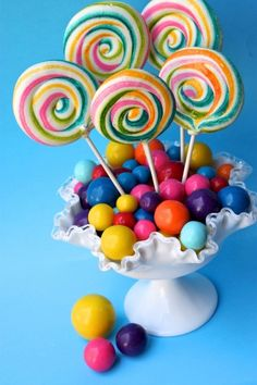 Cute centerpiece idea for a candy party