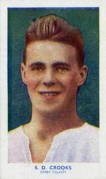 1939 R & J Hill Famous Footballers Series 1 #2 Sammy Crooks Front