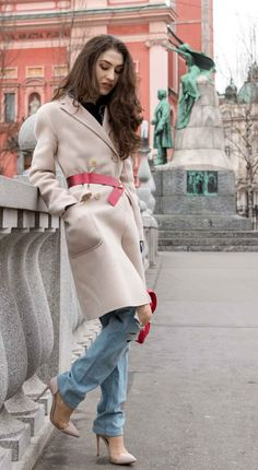 Fashion Blogger Veronika Lipar of Brunette from Wall Street discussing if distressed jeans are in fashion for spring in 2018 #fashion #blogpost #rippedjeans #casual #ITpieces #ITshoes #fashiontrend #blue #outfits #distressedjeans #casual #maxmara #ripped #heels #chic #ss2018 #fashiontrends #distressed #coat #danglingbelt #spring #streetstyle #belt #streetwear #howto #friday #weekend #lightdenim #denimjeans #transitional #midseasonal #effortless #relaxed