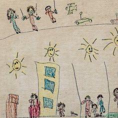 Desenho de criança, meu filho desenhou algumas coisas que ele gosta de fazer, passear com os pais e sua cachorrinha pelo condominio, brincar de carrinho e avião de controle remoto com seus amiguinhos, em um dia lindo ensolarado