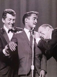 """Frank Sinatra in """"Anchors Aweigh."""" Such a baby Golden Age Of Hollywood, Vintage Hollywood, Hollywood Stars, Classic Hollywood, Hollywood Glamour, Dean Martin, Nancy Sinatra, Las Vegas, Future Islands"""