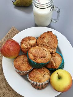 breakfast muffins with apples and oats, breakfast muffin recipe, easy apple muffin recipe, kid breakfast ideas, easy family food from daisies and pie