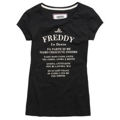 From Freddy's new Dance Glam Attitude collection, a printed T-shirt with a round neck and rib-knit edges. Its elegant design and regular fit enhance feminine curves discreetly, without clinging. - Round neck, with knit ribbing - Cool, 100% cotton jersey - Decorative writing on the front