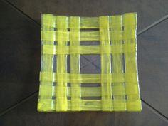 Peça em tiras largas amarelo em fusing