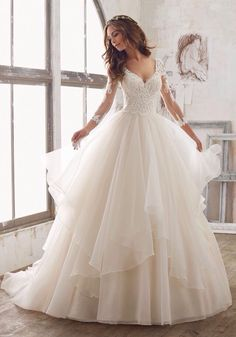 Wonderful Perfect Wedding Dress For The Bride Ideas. Ineffable Perfect Wedding Dress For The Bride Ideas. Spring 2017 Wedding Dresses, Dream Wedding Dresses, Designer Wedding Dresses, Bridal Dresses, Lace Wedding Dress Ballgown, Bridesmaid Dresses, Wedding Dress Princess, Prom Dresses, Formal Dresses