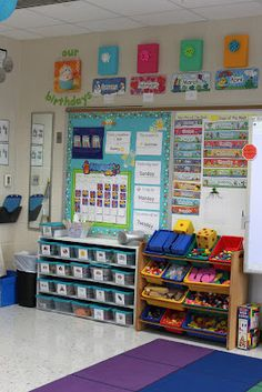 I am in LOVE with this classroom. I wish my classroom had windows and counter tops!!!!