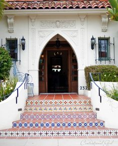 iron window grill, railing mounted to stucco wall, arched entry santa barbara cg Modern Backyard, Staircase, Spanish Style Homes, Iron Balcony, Stucco Walls, Iron Windows, Tiled Staircase, Spanish Colonial Homes, House Exterior