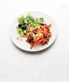 This baked penne with spinach and sun-dried tomatoes recipe can be frozen for up to three months before baking it, making it the perfect solution for hectict holiday weekend schedules! @realsimple