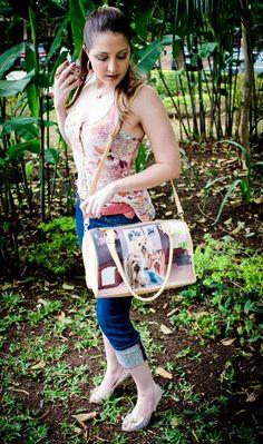 Look do dia !!!  Confira todos os detalhes aqui: http://blogcharmedalu.com.br/look-do-dia-bolsa-bau-cachorrinho-brinco-argola-e-colar-de-camera-rosa/