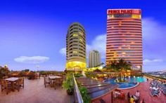 Prince Palace Hotel Located in Old Bangkok, Prince Palace Hotel is directly above Bo Bae Tower - a wholesale clothing market. Overlooking Mahanak Canal, the hotel offers an outdoor pool and 8 dining options. Guests enjoy free WiFi in the public areas.