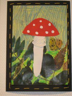 Kuvis ja askartelu - www.opeope.fi. Syysretkellä kerättiin lehtiä, joista otin kopion keltaiselle paperille. Taustaa sai värittää oman halunsa mukaan. Päälle askarreltiin sieni. Kuva liimattiin mustalle taustalle, jonka reunat koristeltiin etupistoilla.