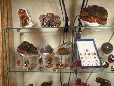 Tucson Gem Show - Live! Spanish dealer, inTan Room 180 -  with amazing Sphalerite, Cinnabar and Aragonite