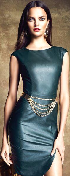 Leather dress bebe 2014 with a gold waisted belt cuute Sexy Dresses, Beautiful Dresses, Dress Outfits, Fashion Dresses, Estilo Glamour, Look Street Style, Mode Boho, Moda Plus Size, Leather Dresses