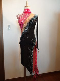 Black & Pink Latin dress - Dress for sale Tango, Latin Ballroom Dresses, Figure Skating Dresses, Belly Dance Costumes, Dance Fashion, Fashion Over 50, Dance Outfits, Dance Wear, Dresses For Sale