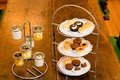 DE SÜSSE - Selbstgemachte Muffins aus der eigenen Patisserie und frische Früchte