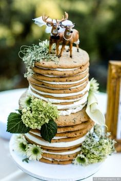 Chocolate chip cookie wedding cake + white filling + greenery decor - alternative cake ideas {ST Photography} A cookie cake for Raym! Wedding Cake Decorations, Wedding Cake Designs, Wedding Cake Toppers, Wedding Cake Cookies, Greenery Decor, Naked Cakes, Wedding Cake Alternatives, Alternative To Wedding Cake, Un Cake
