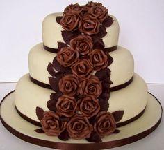 torta de cumpleaños de chocolate decoradas