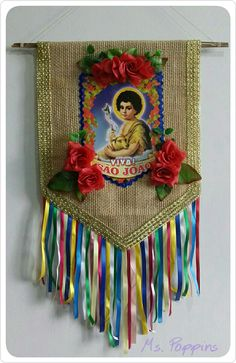Estandarte São João Festa Junina no Elo7 | Ms. Poppins Ateliê (9AF337) Summer Crafts, Diy And Crafts, Crafts For Kids, Arts And Crafts, Paint Brush Art, Mexican Folk Art, Decoration, Party Themes, Crafty