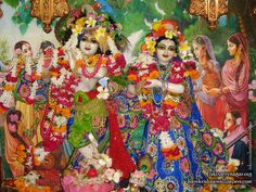 Sri Sri Radha Giridhari Wallpaper (026)   Download Wallpaper: http://wallpapers.iskcondesiretree.com/sri-sri-radha-giridhari-iskcon-vallabh-vidyanagar-wallpaper-026/  Subscribe to Hare Krishna Wallpapers: http://harekrishnawallpapers.com/subscribe/  #Giridhari, #Krishna, #RadhaGiridhari, #RadhaKrishna, #SrimatiRadharani