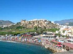 Junto a Motril  tenemos uno de los pueblos mas bellos y con encanto de Andalucia Salobreña ( Granada)