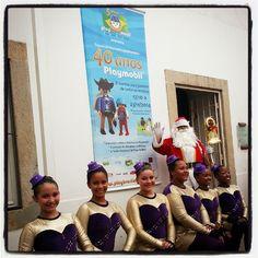 Expo 40Anos+5 - ATENÇÃO - ÚLTIMA SEMANA !! A paradinha na entrada para a foto tradicional !... :) EXPOSIÇÃO PRORROGADA ATÉ 14/DEZEMBRO !!! Sucesso de público no Museu Histórico Nacional !!... #playbrasilmobil #playmobil #playmobil40years #mhn #museuhistóriconacional #natal #christmas #papainoel #santaclaus